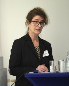 Professorin Claudia de Witt